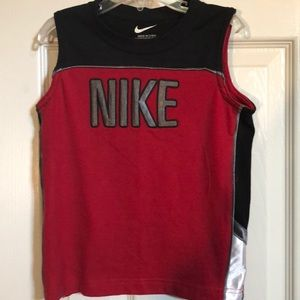 Boy's sleeveless Nike tee/tank top